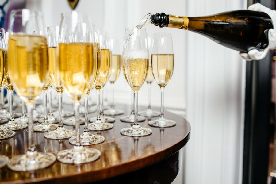 Dlaczego świat zakochał się w szampanie?