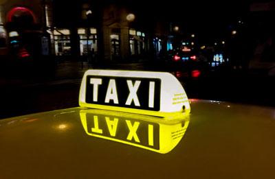 Ein kostenloses Taxi für unsere Gäste in ganz Warschau